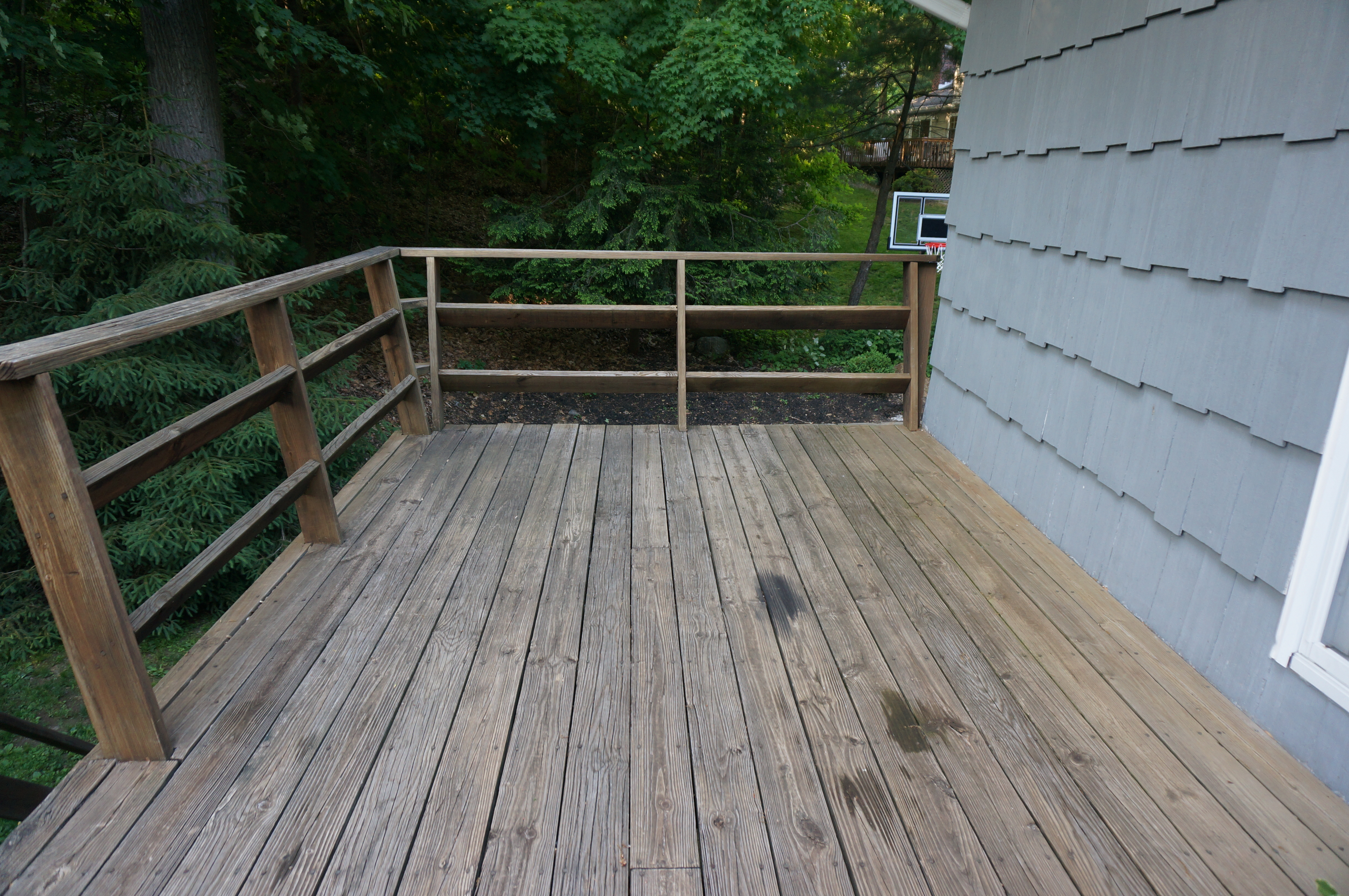 Exterior Design Deck Makeover