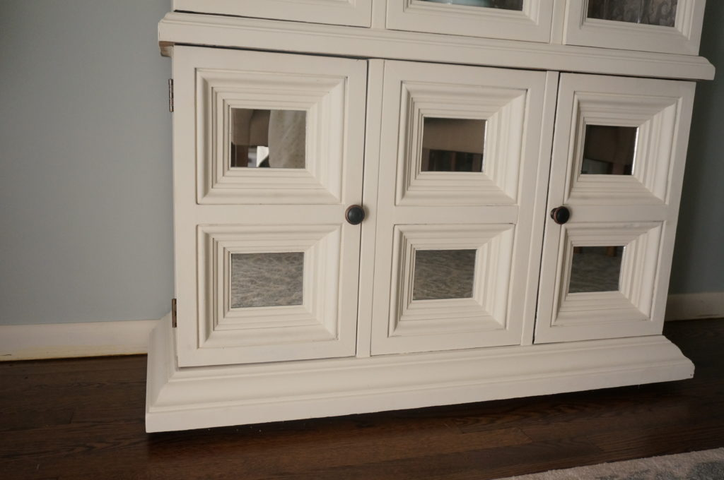 {Chalk Paint} Hutch Makeover