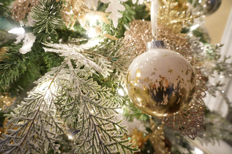diy gold leaf ornaments made2style