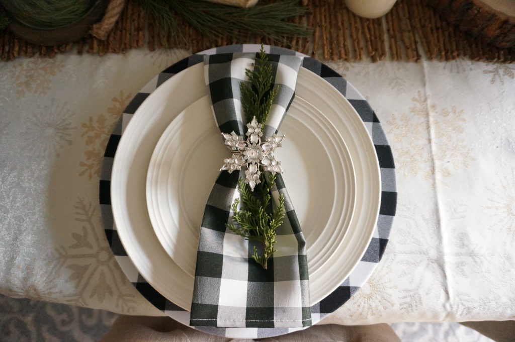 Buffalo Plaid Christmas Chargers + Tablescape