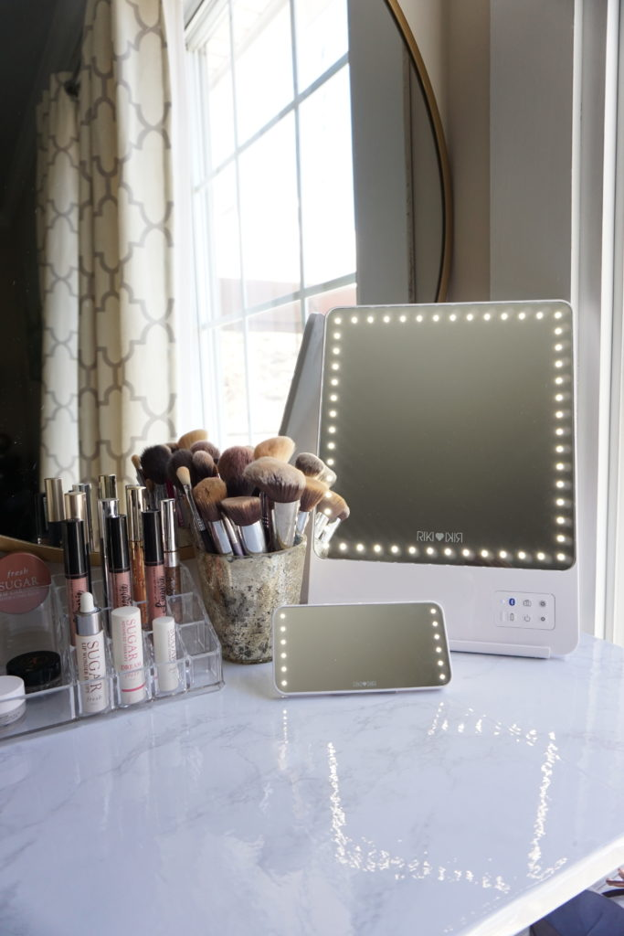 Makeup Vanity For Small Spaces Glamcor